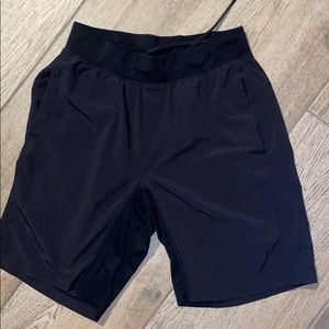 "Lulu Lemon T.H.E. Short 9"" Linerless"